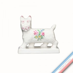Collection REVERBERE déco  - Chien sur socle - H 11 - L 12 cm -  Lot de 1