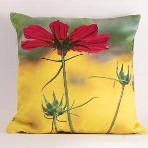 Coussin 40x40 cm collection fleurs - Cosmo fuschia fond jaune